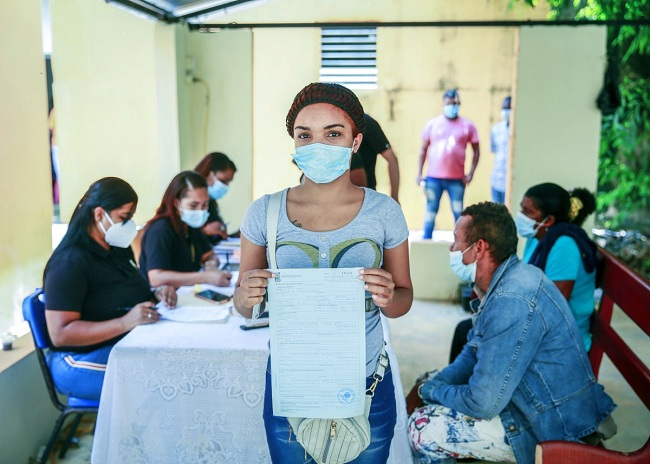 JCE realiza operativo manual de declaración tardía de nacimiento en Santo Domingo Norte