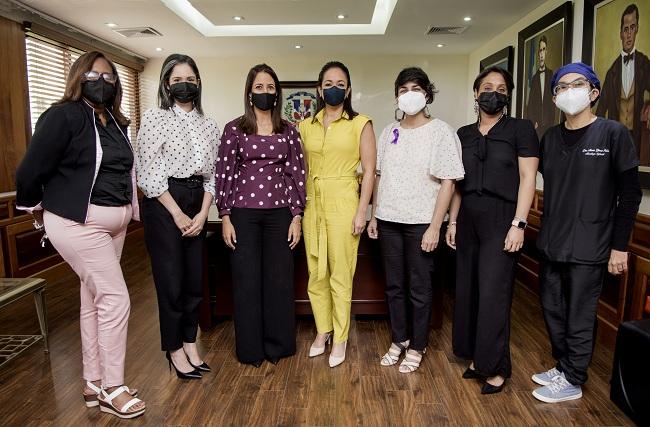 ADAPA entrega propuesta de proyecto de ley sobre enfermedades raras a senadora Raful