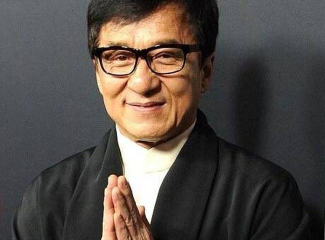 Jackie Chan dice quiere ser miembro del Partido Comunista de China