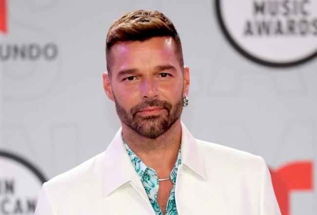 Ricky Martin exhorta a vacunarse contra la covid-19