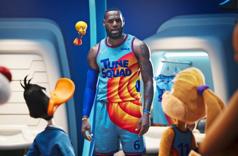 LeBron James lidera la taquilla en cines de EE.UU. con la nueva «Space Jam»