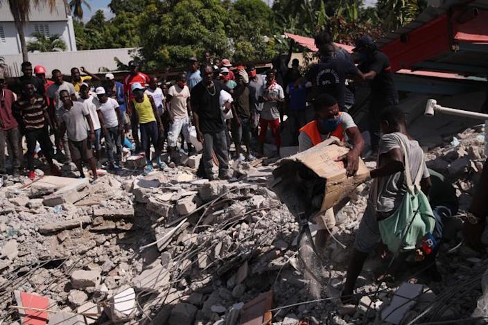 Sigue en aumento el número de muertos por el terremoto en Haití