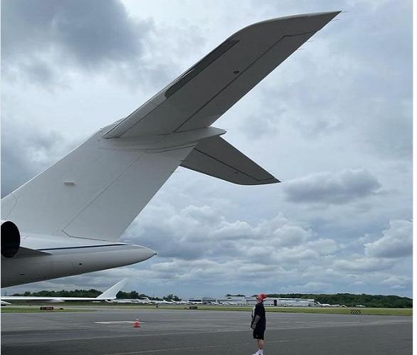 J Balvin se compra su tercer avión