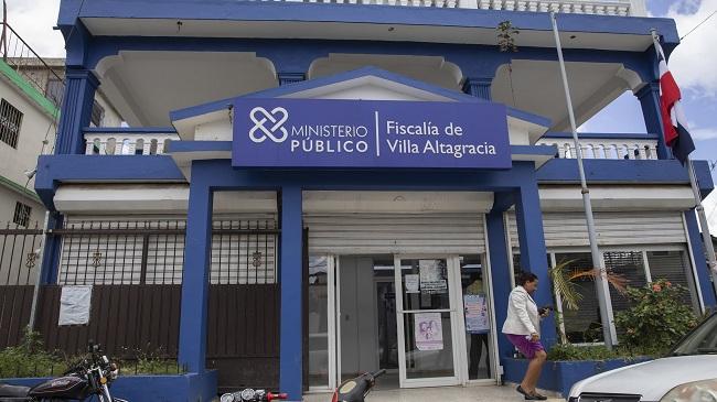 Ratifican prisión preventiva a agentes policiales vinculados a muerte de pareja religiosa en Villa Altagracia