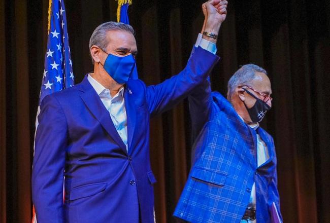 Senador Chuck Schumer felicita a Luis Abinader por la gestión de su gobierno